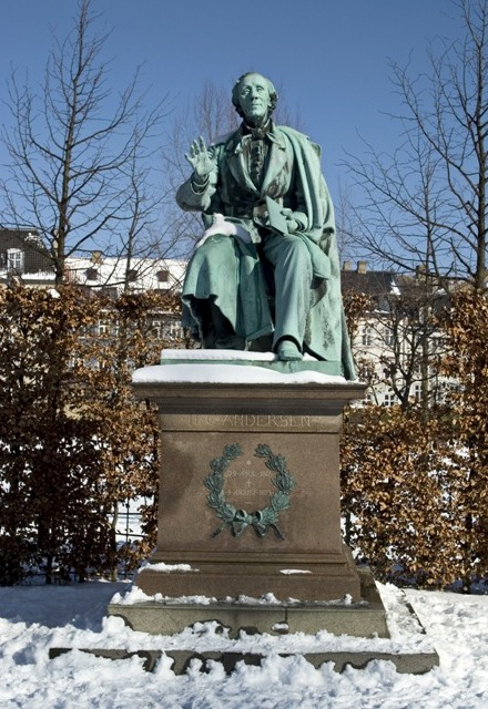Andersen statue in Rosenborg Park, Copenhagen. Trip to Denmark, Denmark tours, travel to Denmark – Hit The Road Travel
