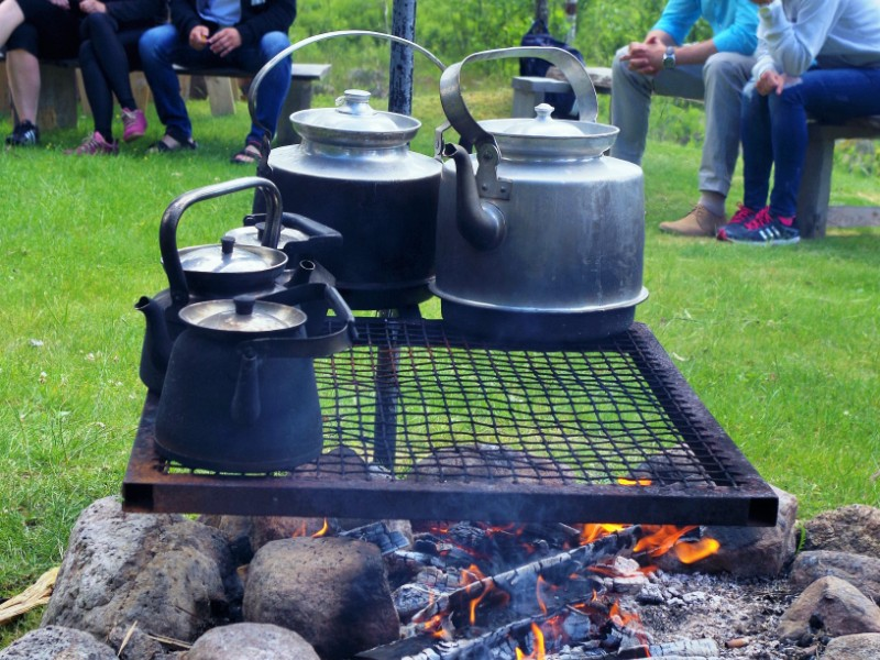 Coffee cooked on the campfire. Fishing expeditions to Sweden, fishing trips to Sweden – Hit The Road Travel