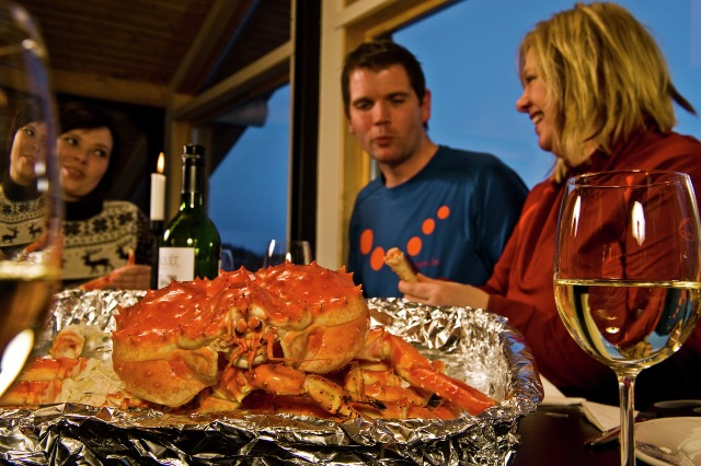 King crab dishes, Norway. Northern lights tours, winter trips to Norway – Hit The Road Travel