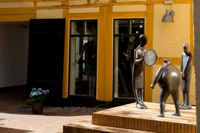 Sculptures in Odense based on 'The Emperor's New Clothes' fairy tale. Trip to Denmark, Denmark tours, travel to Denmark – Hit The Road Travel