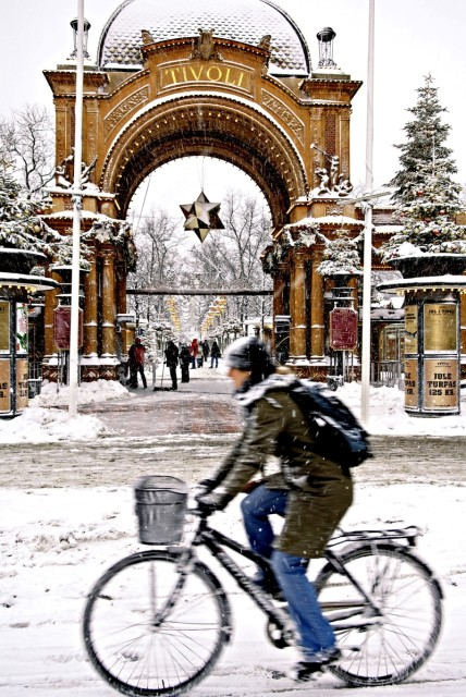 Ogrody Tivoli wKopenhadze. Wycieczki szkolne zagraniczne – Hit The Road Travel