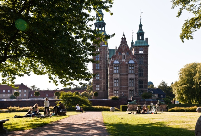 Rosenborg Palace, Copenhagen. Trip to Denmark, Denmark tours, travel to Denmark – Hit The Road Travel
