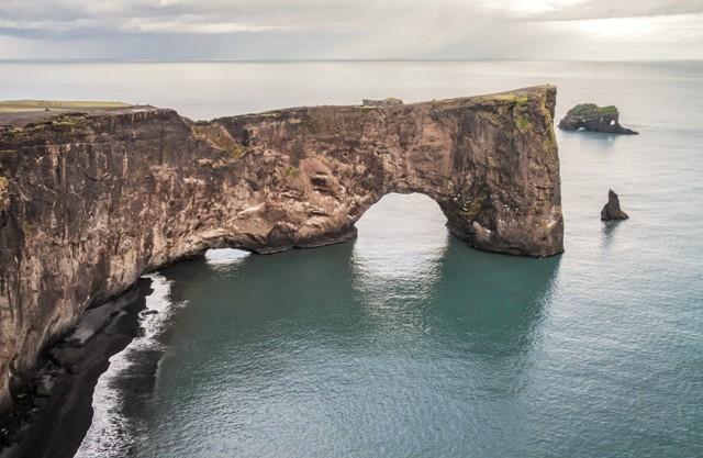 Dyrhólaey, Islandia. Islandia wycieczki, wycieczka naIslandię – Hit The Road Travel