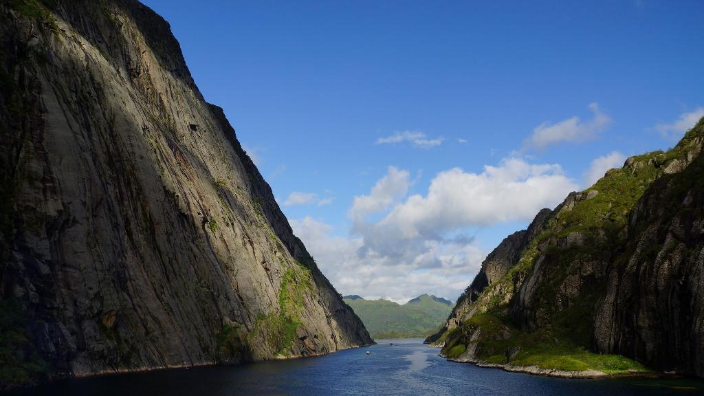 Trollfjorden, Lofoty. Wycieczka naLofoty – Hit The Road Travel