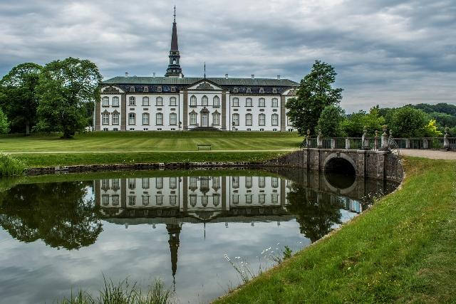 Pałac Bregentved. Wycieczka doDanii, wyjazdy weekendowe doDanii – Hit The Road Travel