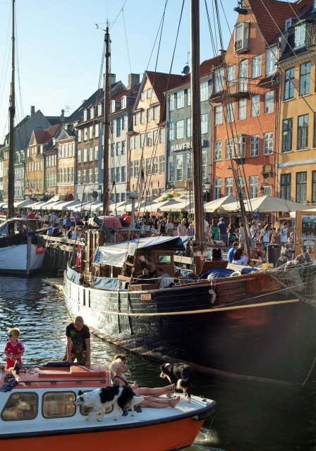 Nyhavn, Kopenhaga. Wycieczka do Danii, wyjazdy weekendowe do Danii – Hit The Road Travel