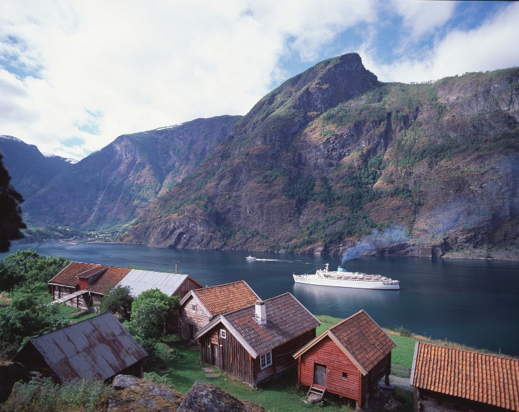 Flåm, Norway. Norway tours – Hit The Road Travel