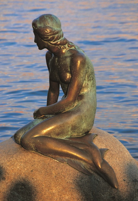 'The Little Mermaid' - the symbol of Copenhagen. Trip to Denmark, Denmark tours, travel to Denmark – Hit The Road Travel