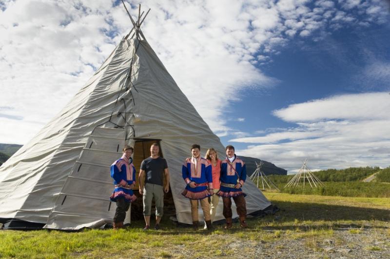 Saamowie przedlavvu. Wycieczka naNordkapp, Norwegia wycieczki – Hit The Road Travel
