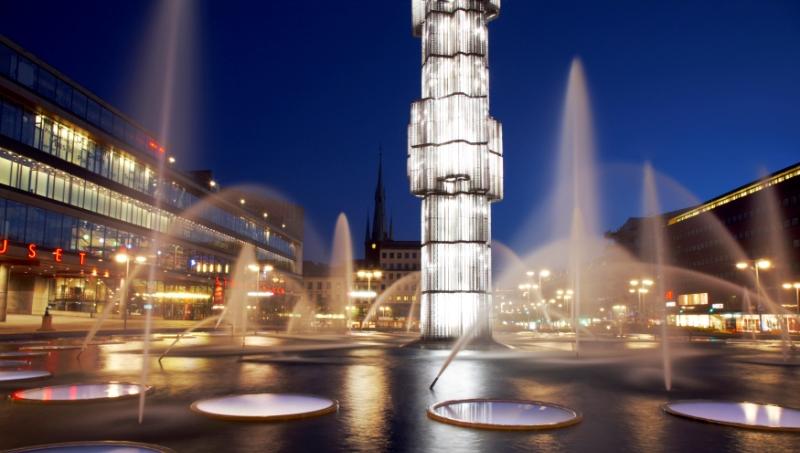 Plac Johana Tobiasa Sergela wdzielnicy Norrmalm, Sztokholm. Wycieczka doSztokholmu, wyjazdy firmowe doSztokholmu – Hit The Road Travel