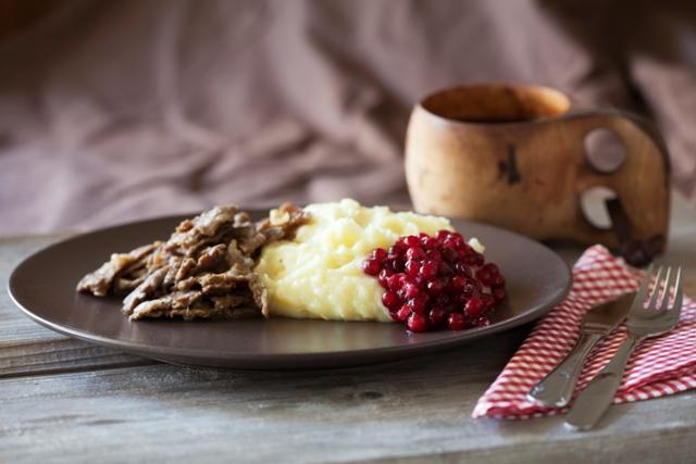 Reindeer dishes. Santa Claus trips, Rovaniemi tours