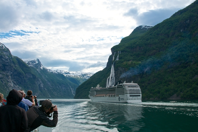 Rejs poGeirangerfjorden. Wycieczka doNorwegii, Hit The Road Travel