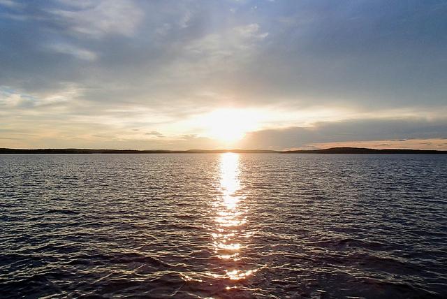 Jezioro Inari, Finlandia. Wycieczka doLaponii, wycieczki doFinlandii – Hit The Road Travel