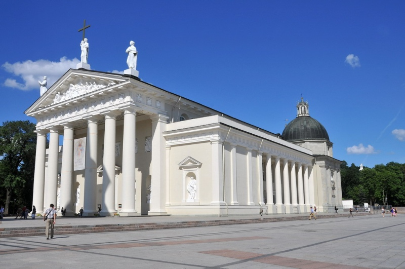 Vilnius Cathedral, Lithuania. Tours of the Baltic States, Helsinki tours – Hit The Road Travel
