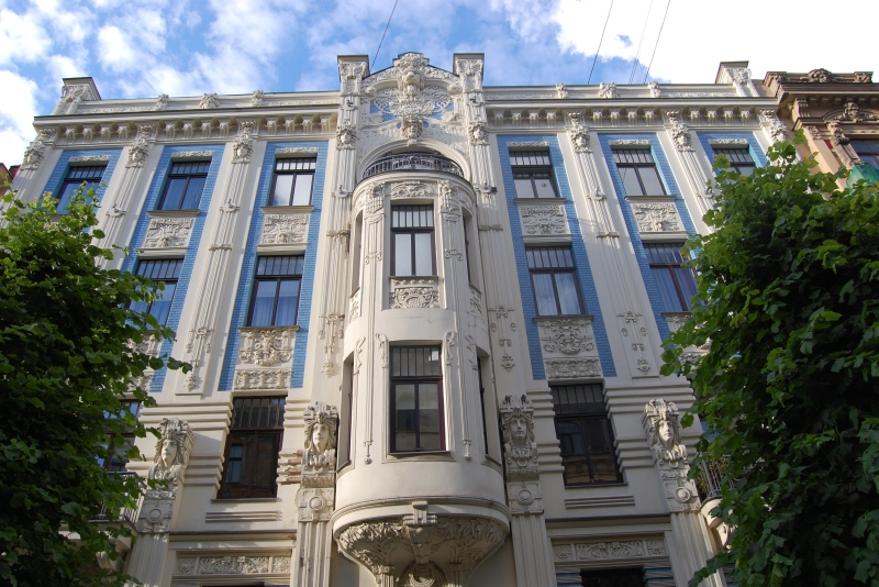 Art Nouveau townhouse on Alberta iela street in Riga. Tours of the Baltic States, Helsinki tours – Hit The Road Travel