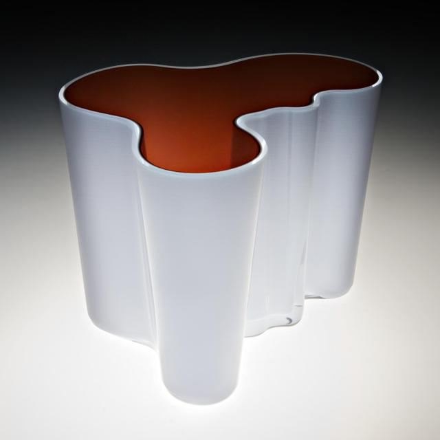 The vase designed by Alvar Aalto. Tours of the Baltic States, Helsinki tours – Hit The Road Travel