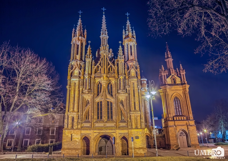 St. Anne's Church, Vilnius, Lithunia. Tours of the Baltic States, Helsinki tours – Hit The Road Travel