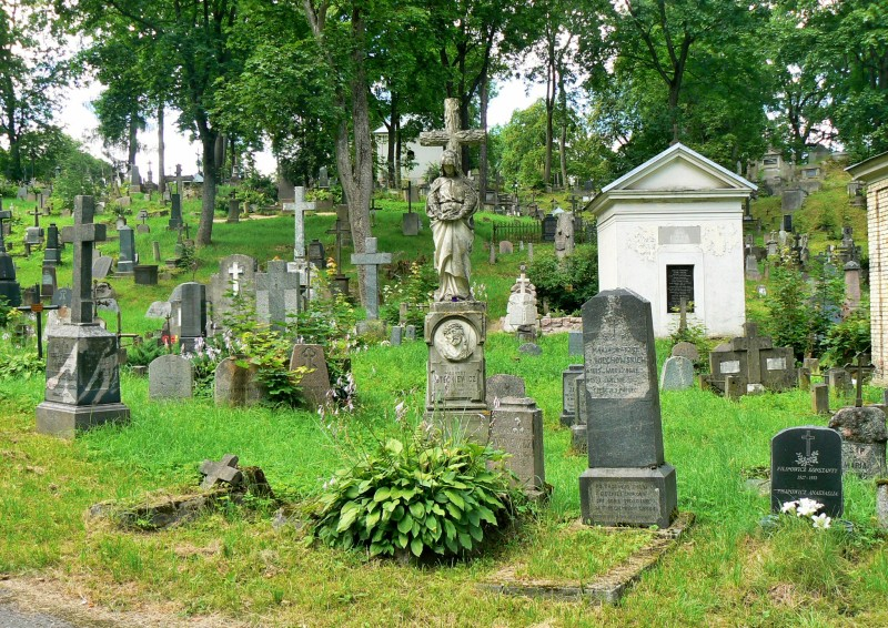 Rasos cemetery, Vilnius, Lithuania. Tours of the Baltic States, Helsinki tours – Hit The Road Travel
