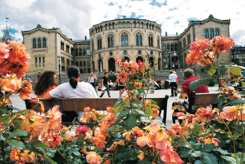 Norwegian Parliament, Oslo. Oslo tours, group trips to Oslo, conferences in Oslo – Hit The Road Travel