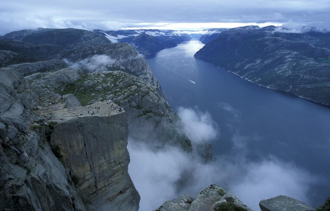 Preikestolen, Lysefjorden, Norwegia. Wycieczka doNorwegii, Hit The Road Travel